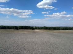 Buchenwald, il piazzale dell'appello. Degli alloggi dei prigionieri che si trovavano subito dopo non resta più nulla